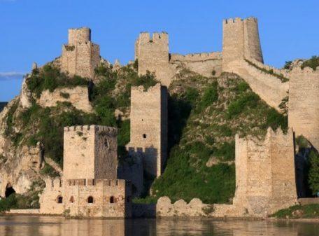 Djerdap-Golubac-fortress-870x400