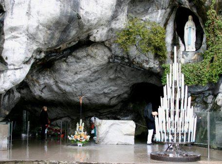 santuarios marianos LOURDES-VIRGEN